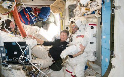 56-годишна американка чупи рекорди в Космоса