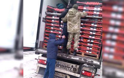 Мигрант мръзна 3 дни в хладилник към Германия. Стигна до Украйна (видео)