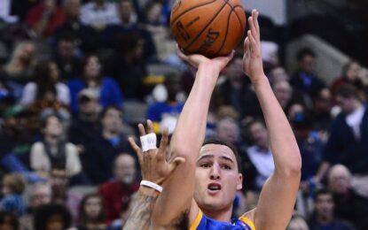 """Избрано от НБА: """"Уориърс"""" надделяха над """"Блейзърс"""" в един класически уестърн"""
