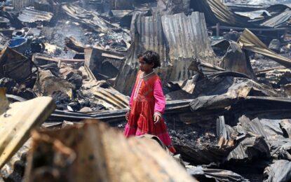 Пожар опустоши гето в Делхи