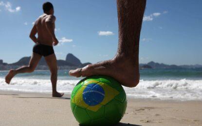 Властите в Рио чистят клоака преди Световното