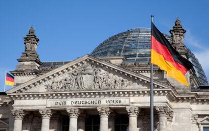 Бундестагът одобри помощта за Гърция