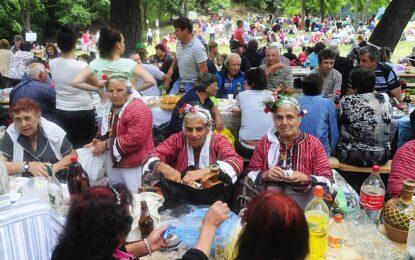 Българите се вкопчиха по-здраво в живота