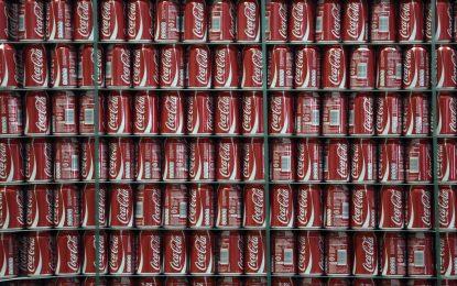 """Великобритания облага Coca-Cola с данък """"затлъстяване"""""""