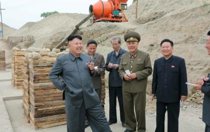 Северна Корея задържа още един американец