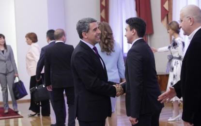 Станишев не се яви на срещата на президента с евродепутатите