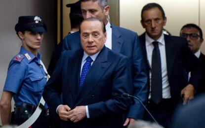 Берлускони оправдан за секса с непълнолетна