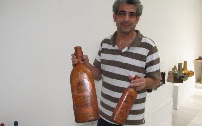 Сирийски майстор вае кожи уникати с помощта на сираци