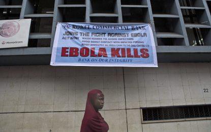 Болните от ебола намаляват, но вирусът мутира