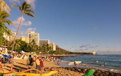 Хаваите изселват бездомните си далеч от курортите