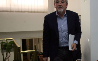 Местан прогнозира още размествания в парламента