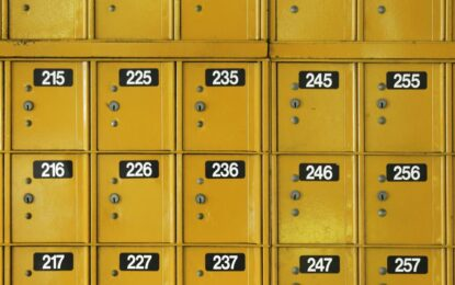 51 страни свалят банковата тайна. Не и България