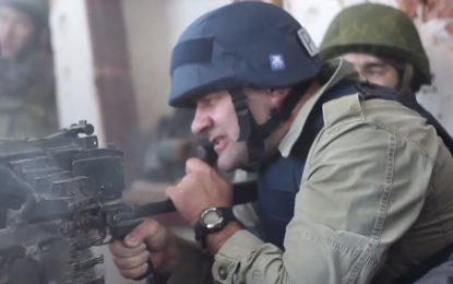 Руски актьор заснет с картечница в Донецк