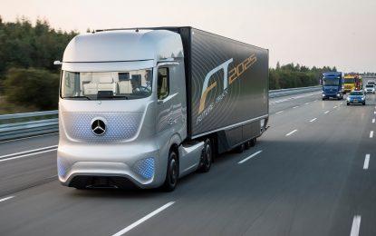 Mercedes пуска безпилотен камион до 10 години