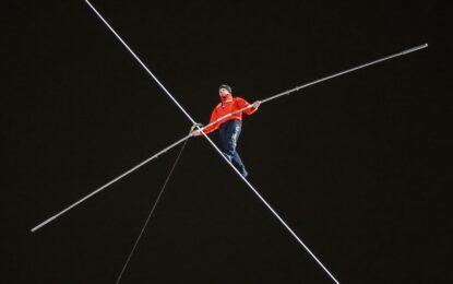 200 метра над земята без предпазен колан