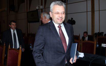 ДПС изключи двама депутати, избрани с преференция