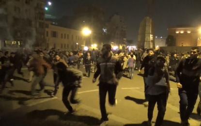 """Сблъсъци в Кайро заради """"оневиняването"""" на Мубарак"""