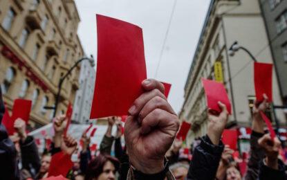 """Чехия отбеляза """"Нежната революция"""" с протест"""