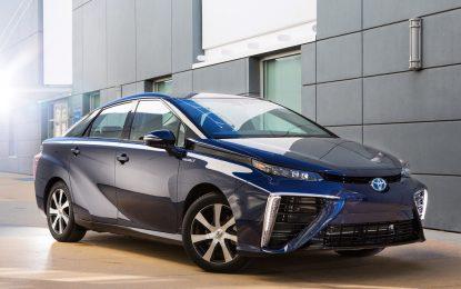 Първата водородна Toyota тръгва по шосетата