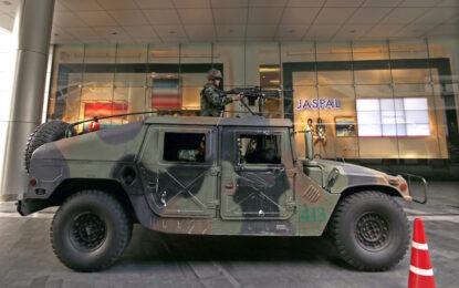 САЩ дават хамъри, не оръжия на Киев