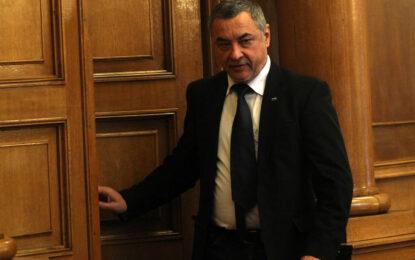 Патриоти и Реформатори се разбраха: назначените остават, падат новините на турски