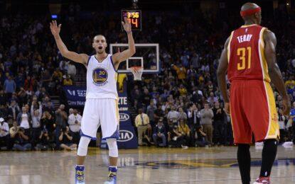 """Избрано от НБА: Рекордната серия на """"Уориърс"""" продължи с 14-а победа"""