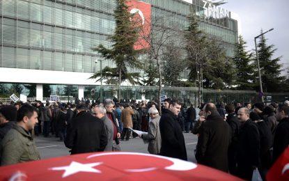 Турската полиция арестува водещи опозиционни журналисти