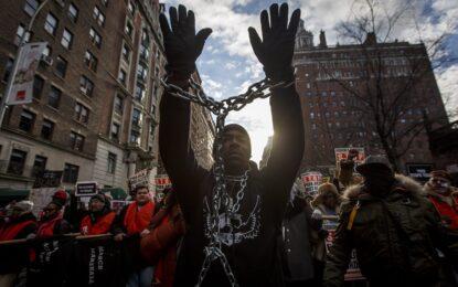 Хиляди американци отново на протест срещу полицейските убийства