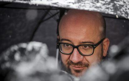 Активистки опръскаха с майонеза премиера на Белгия