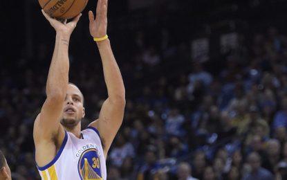 """Избрано от НБА: Тройка на Къри донесе победата на """"Уориърс"""""""