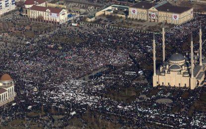 Най-големият протест срещу карикатурите на Мохамед е в Грозни