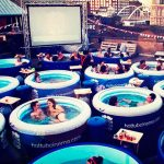 Кино с гореща вана, Лондон. Снимка: BoredPanda