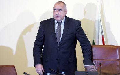 Борисов: Армията ще участва само с логистика по границата