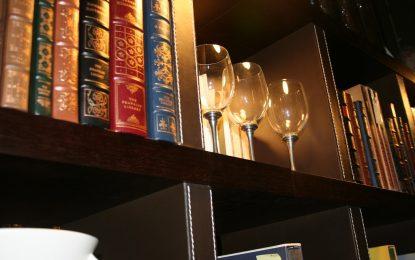 """""""Благодатният четвъртък"""" – време за алкохол и литература"""