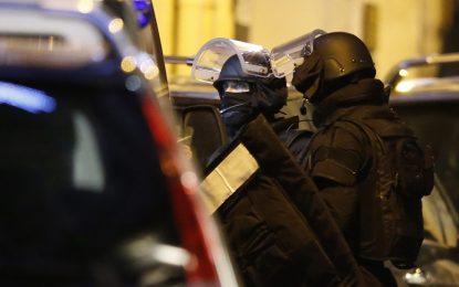 Френската полиция е на лов за съучастници на терористите