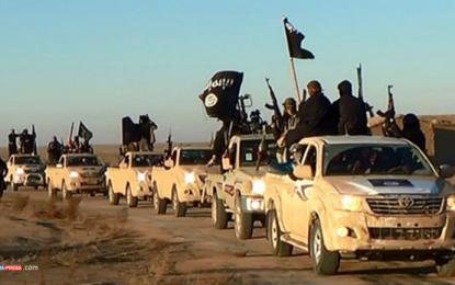 """Бъчварова отрича за горива от """"Ислямска държава"""". И Цацаров"""