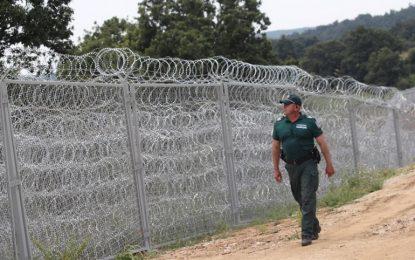 Оградата по границата – без поръчки докрай