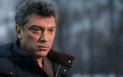 Немцов бил в контакт с руски военни, били се в Източна Украйна