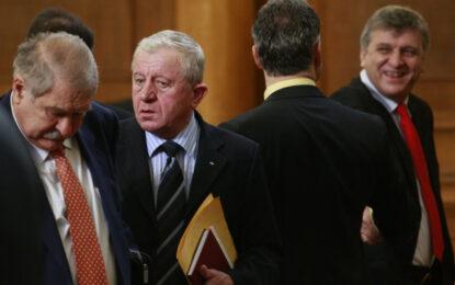 Първанов дава оставка, която АБВ не приема