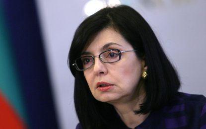 Кунева обеща да настоява за 10% по-високи заплати за учители