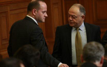Реформаторите срещу БСП и АБВ за оставката на Ненчев