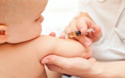 Една трета от бг мамите и татковците разколебани за ваксините