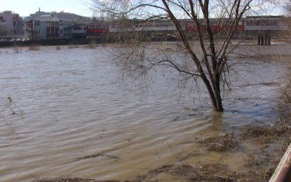 Нивото на реките Марица, Мочурица и Тунджа остава критично