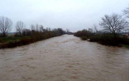 Потоп грози пловдивско село, свлачище откъсна други две