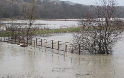 Заплахата от нови наводнения остава