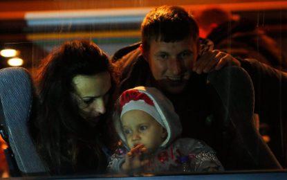 Хиляди емигрират от най-младата държава в Европа