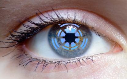 Слепец прогледна с бионично око (видео)