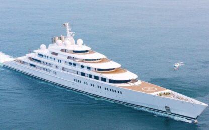 Милиардер си поръча яхта с размерите на Титаник