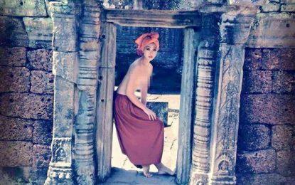 Камбоджа депортира туристи-нудисти