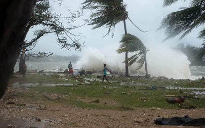"Циклонът ""Пам"" остави жителите на Вануату без дом"